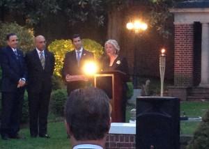 Reconocimiento por la AMCHAMDR a don Luis Heredia Bonetti, y su ascenso a Embajador