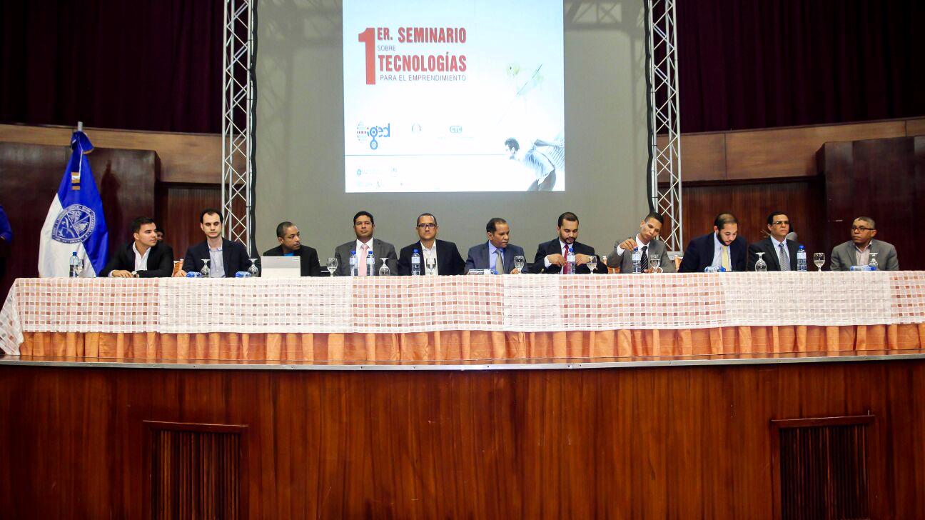 Vista de los lideres de diferentes organizaciones invitados al I Seminario Tecnologias para el Emprendimiento.